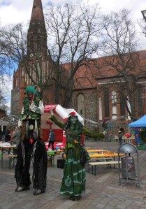 2016_04_23_Anradeln und Musikalischer Frühling_Feen vor Kirche
