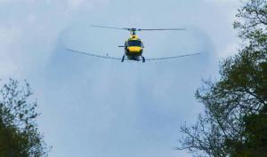 Hubschrauber Sprühaktion