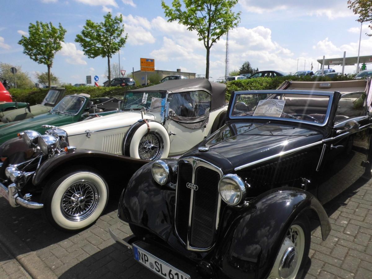 Oldtimer-Treffen im Autohaus Streese am 26. und 27.4.